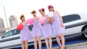 リムジン女子会(お揃いドレスでリンクコーデ)